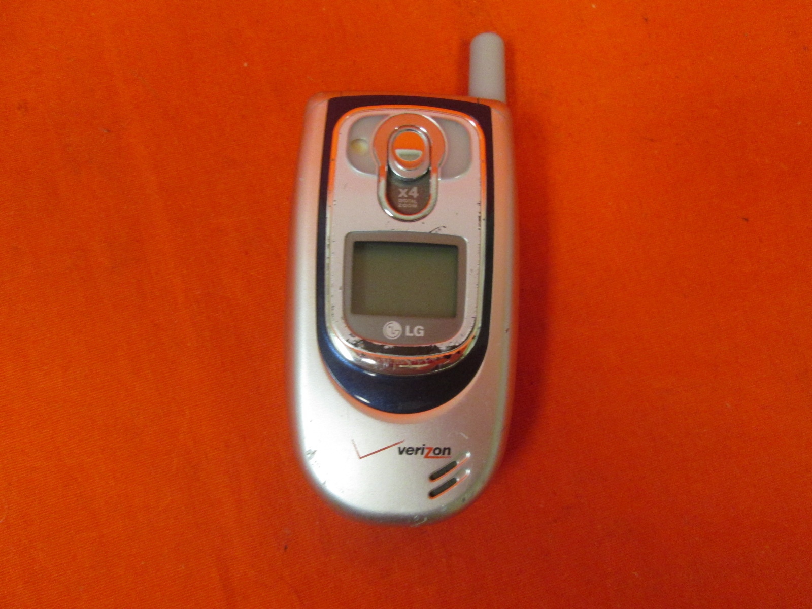 Broken LG VX6100 No Contract Verizon Cell Phone