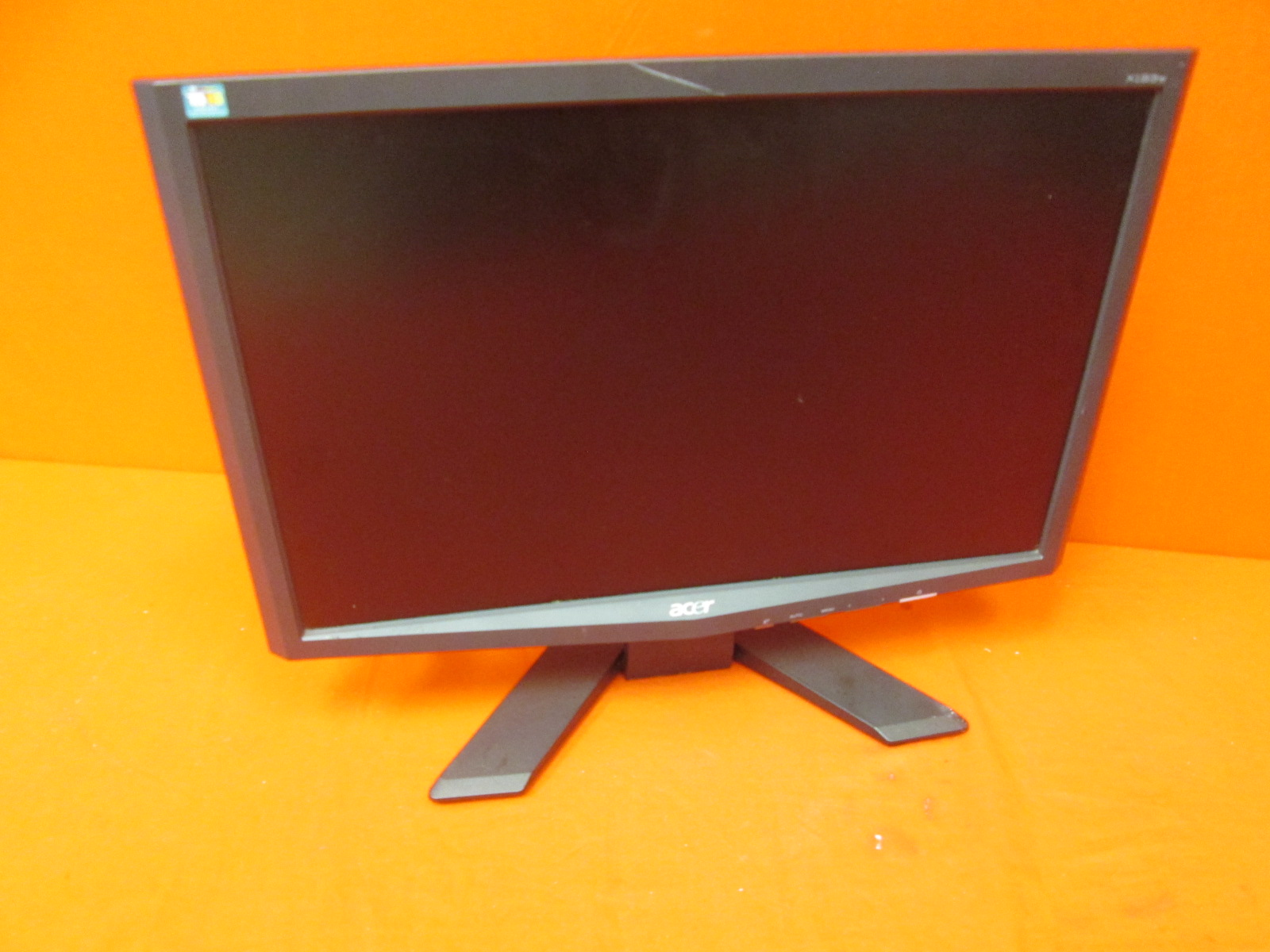 Acer X193WB 19 LCD Monitor Incomplete