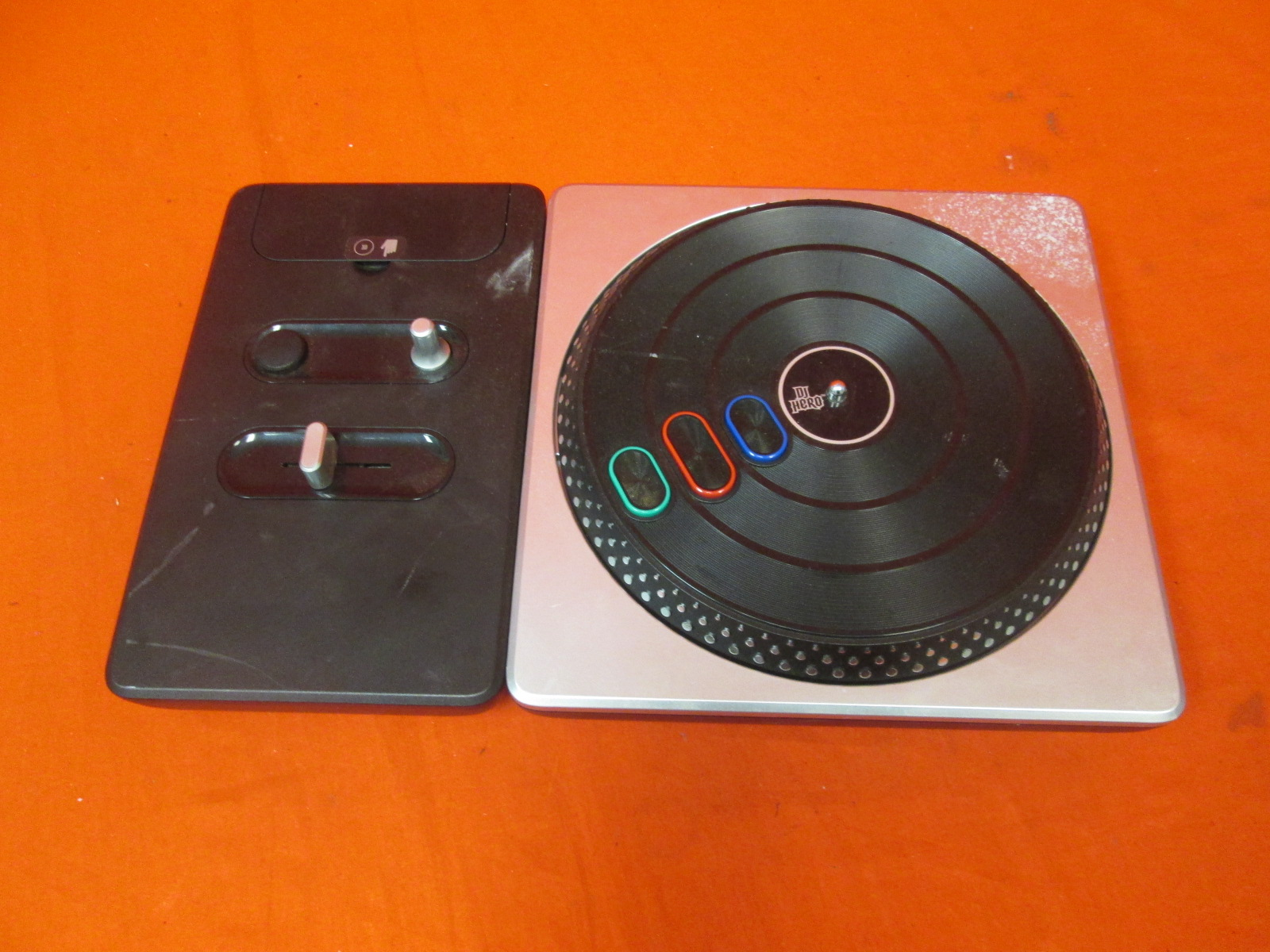 DJ Hero 2 Turntable Bundle Xbox 360 For Xbox 360