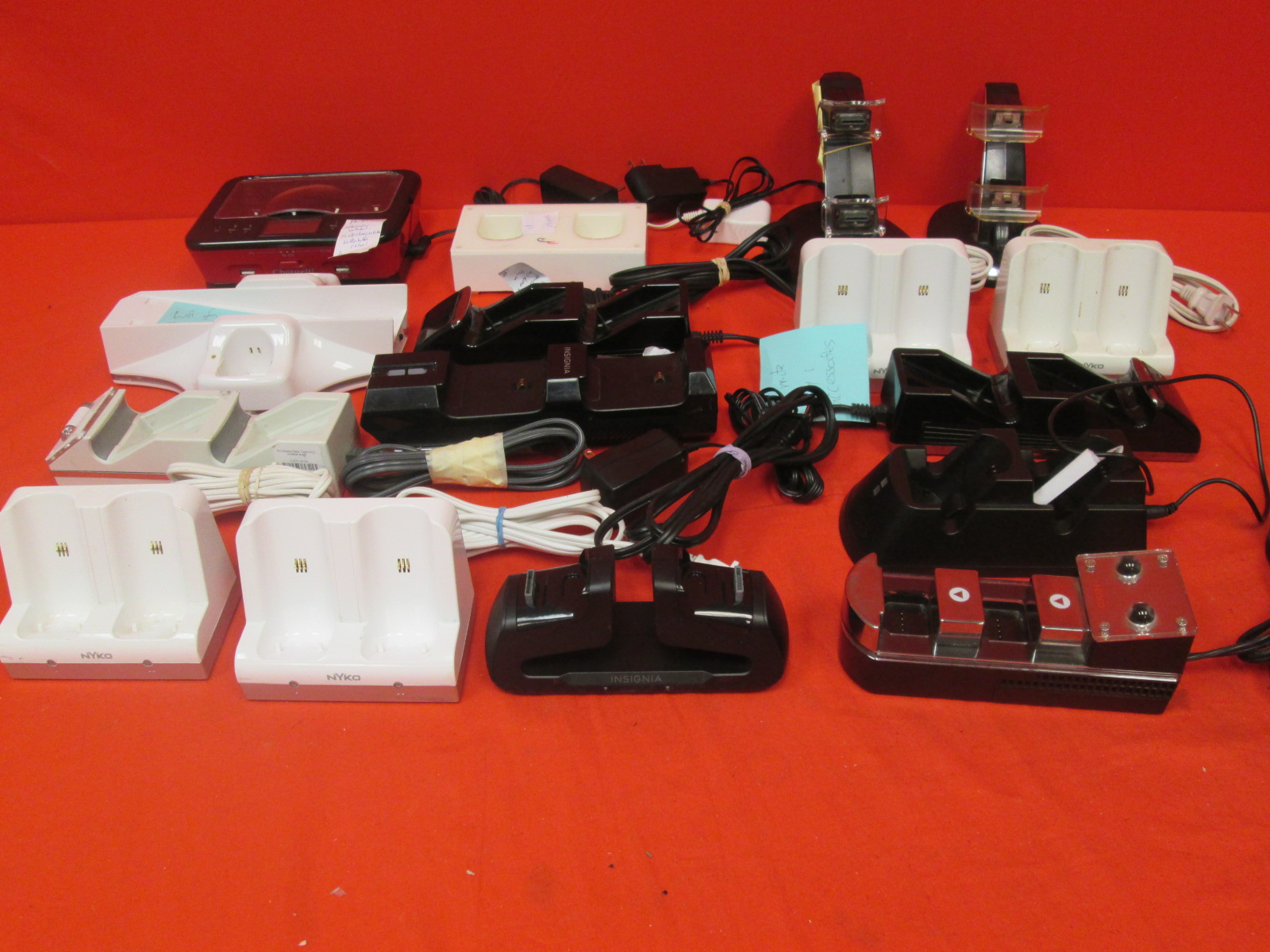 Broken Lot Of 16 Video Game Chargers For Wii And Xbox 360