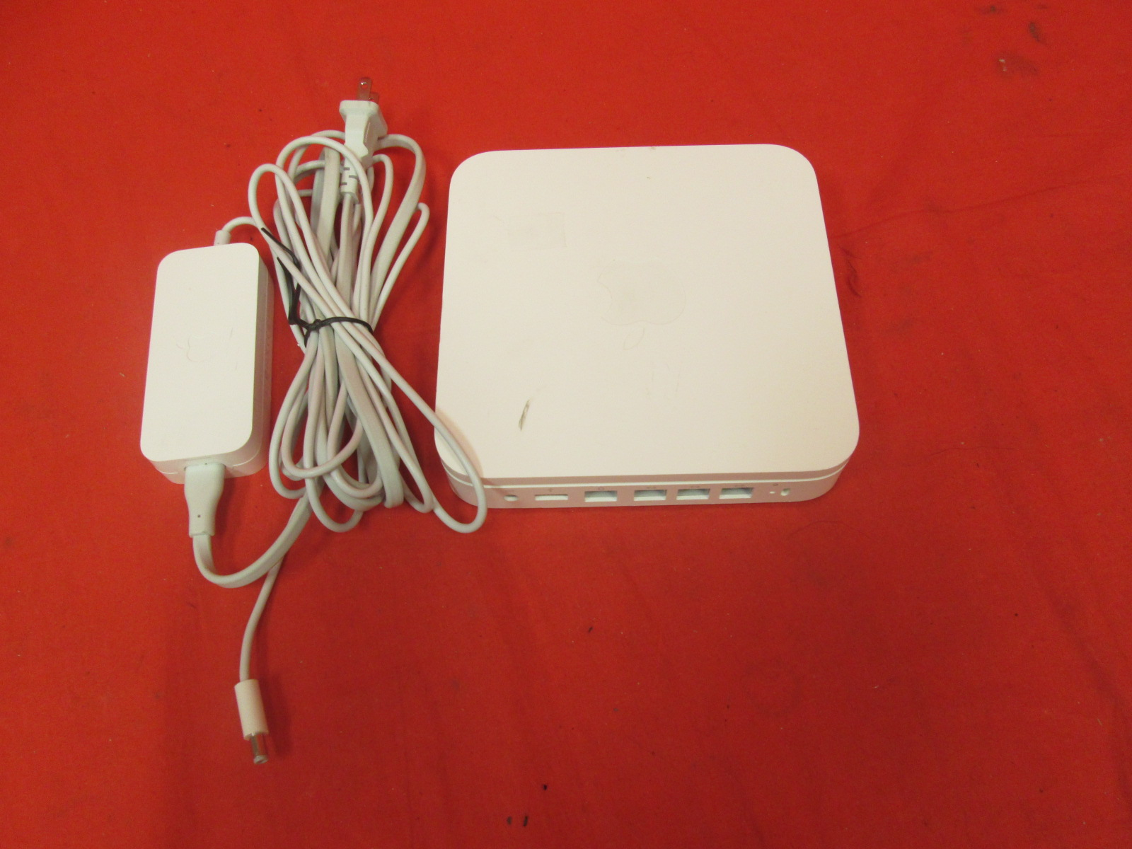 Apple Airport Extreme 802.11N 5th Generation Incomplete