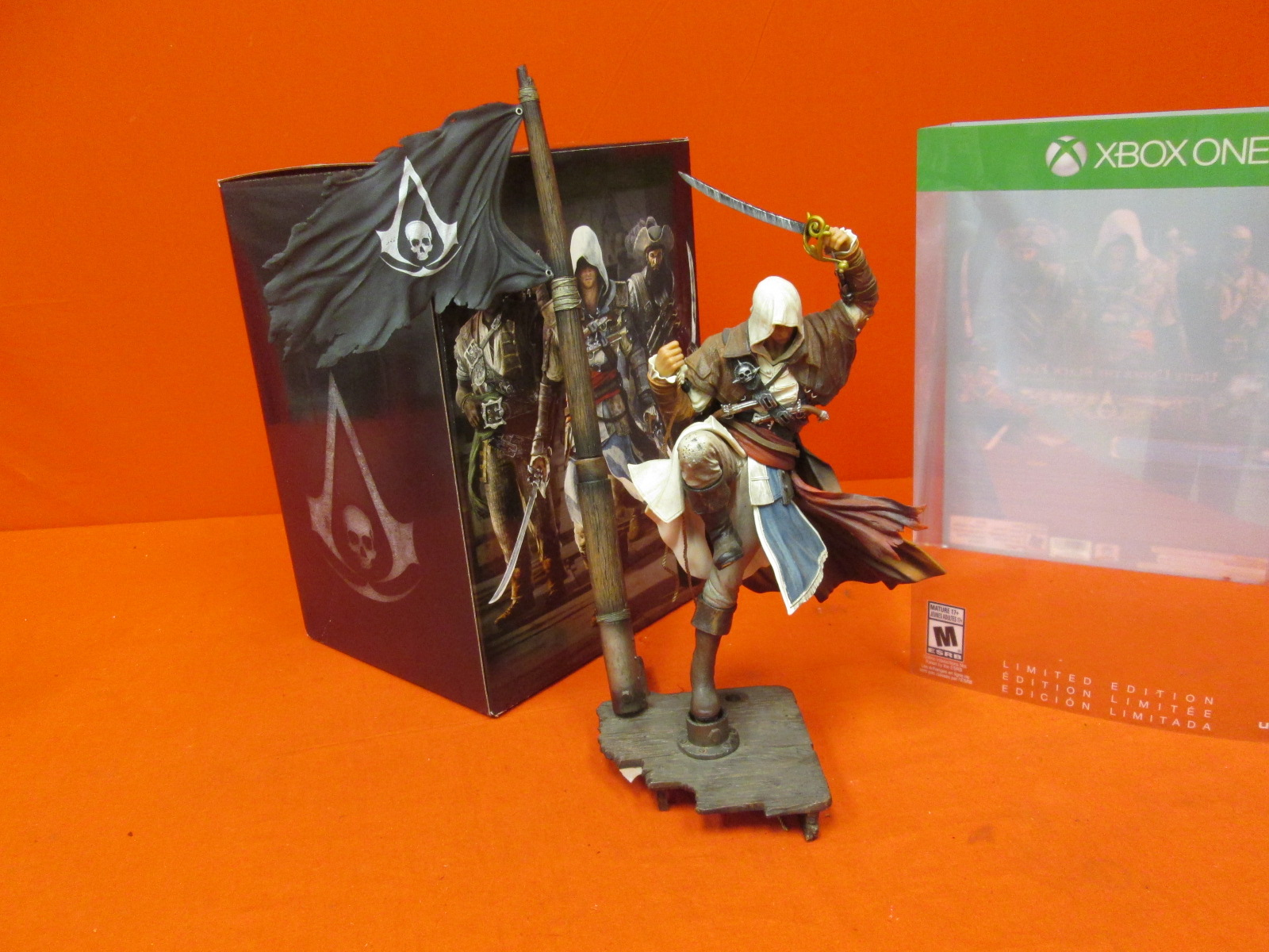 Assassin's Creed IV: Black Flag Limited Edition For Xbox One Figurine