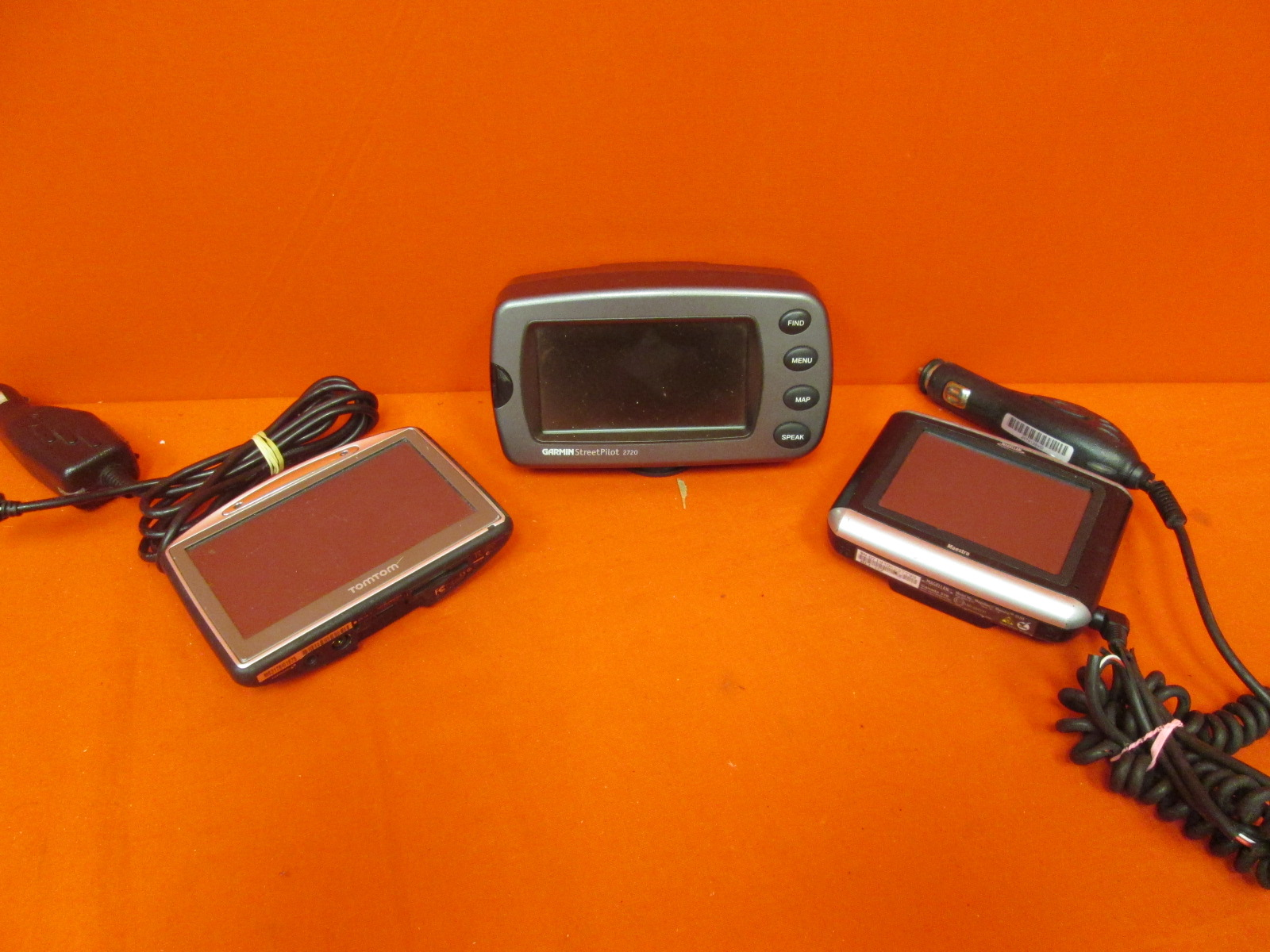 Lot Of 3 GPS Systems Broken TomTom, Magellan, Garmin
