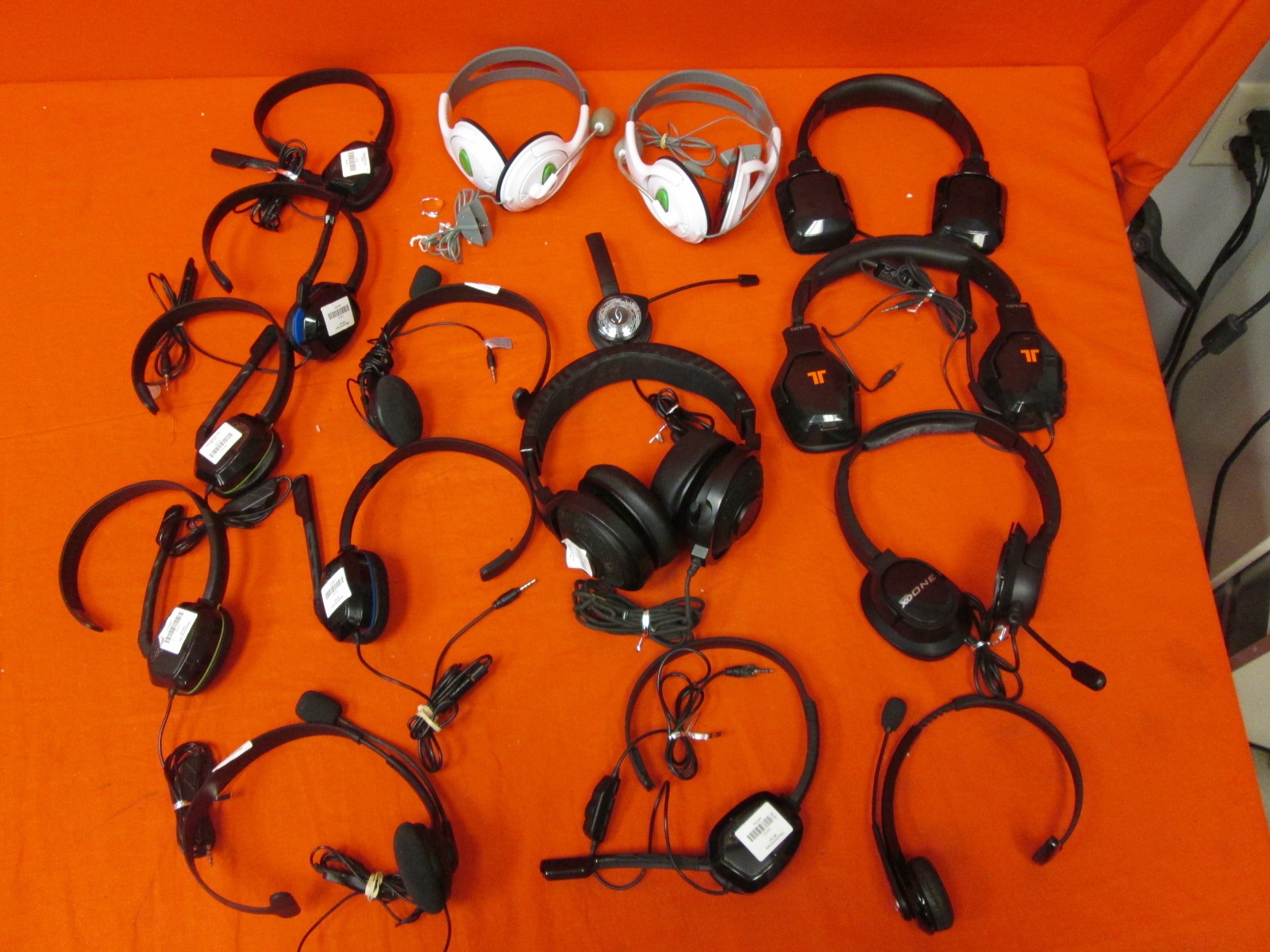 Broken Lot Of 15 Gaming Headsets Various Brand Lot