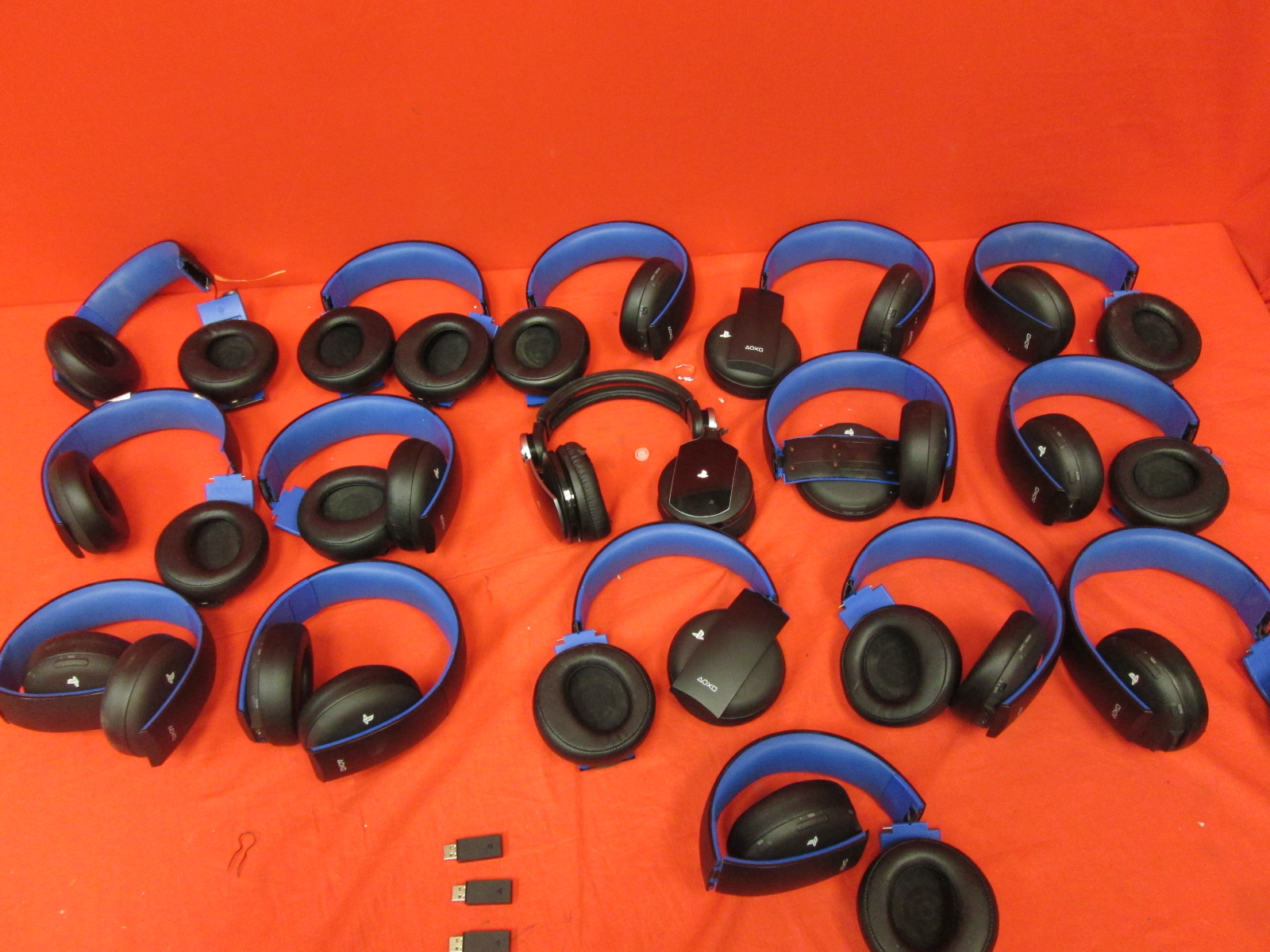 Broken Lot Of 15 Sony OEM Wireless Stereo Headset Jet Black For