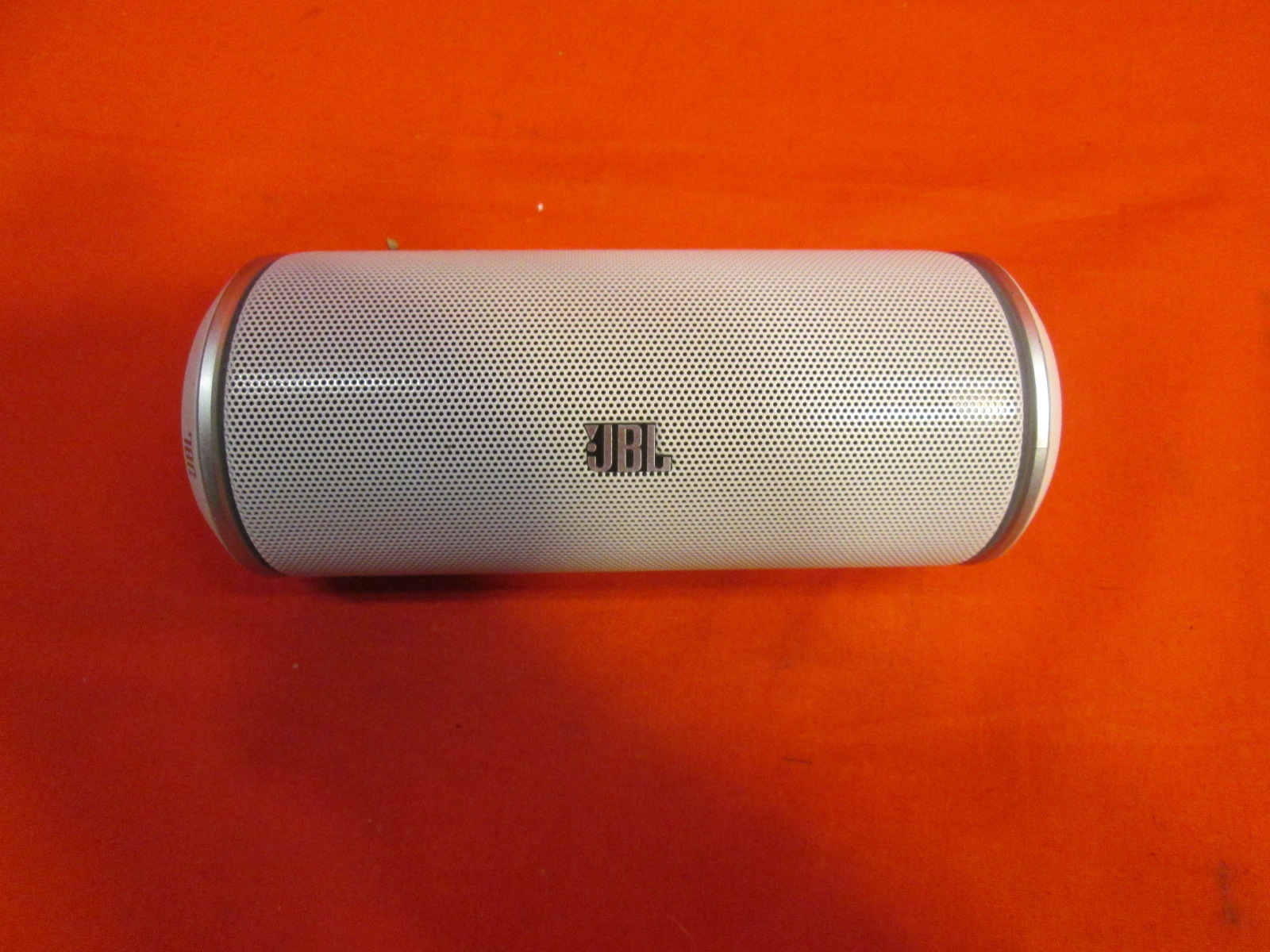 how to connect jbl flip to phone