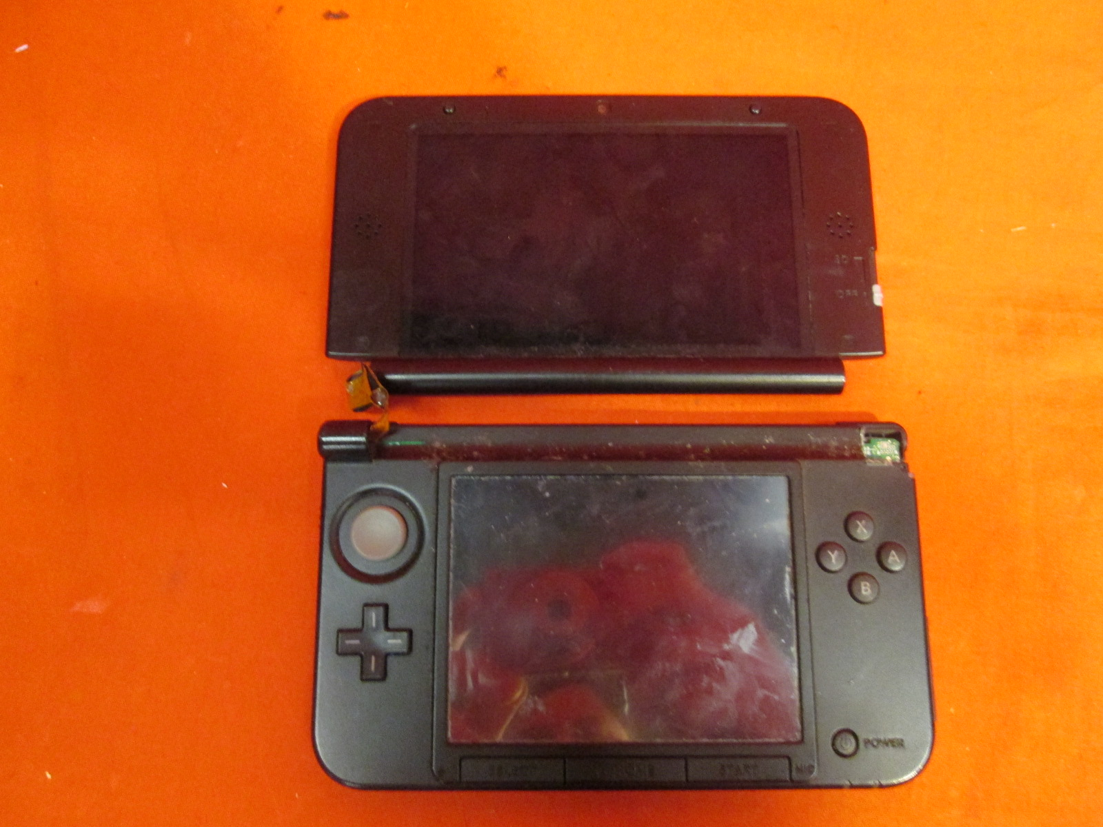 Broken Nintendo 3ds Xl Red Black Handheld Console