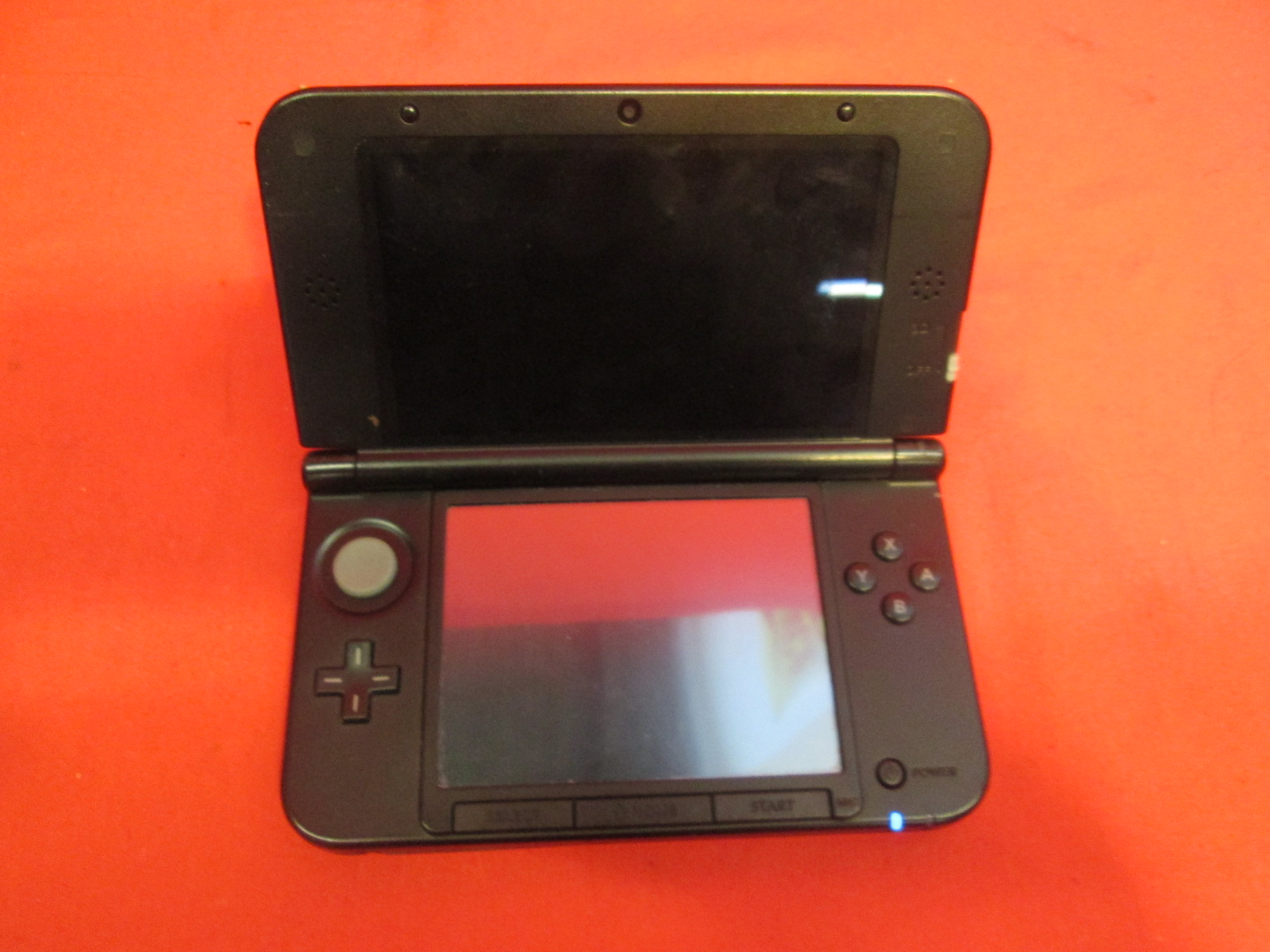 broken nintendo 3ds xl red black handheld console. Black Bedroom Furniture Sets. Home Design Ideas