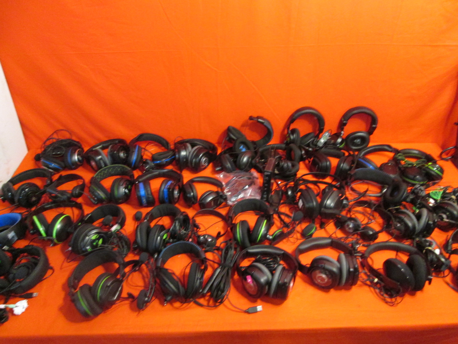 Image 2 of Broken Lot Of 50 Video Game Headsets Turtle Beach Microsoft Sony For