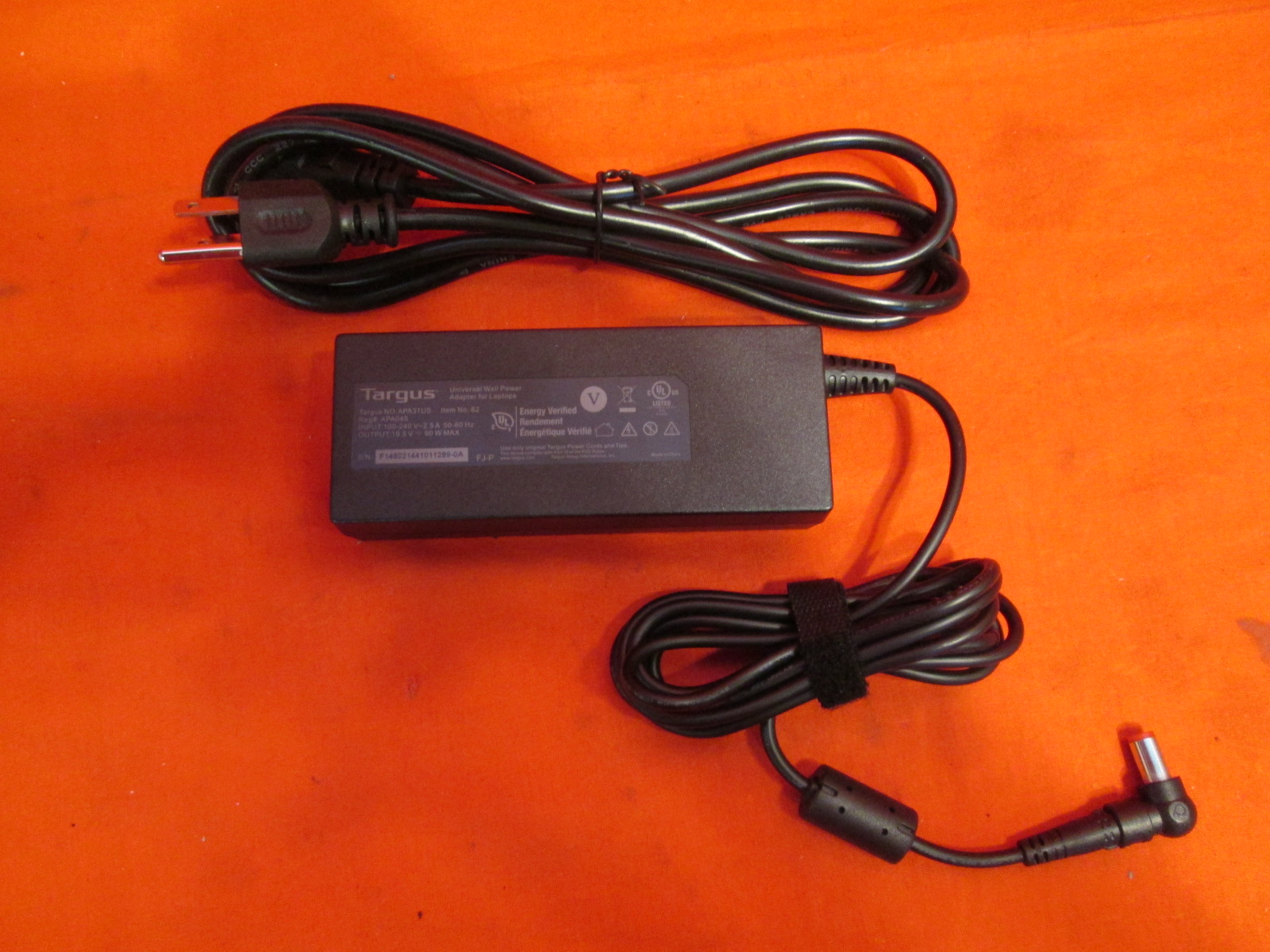 Targus 90 Watt Ac Laptop Charger With No Attachments