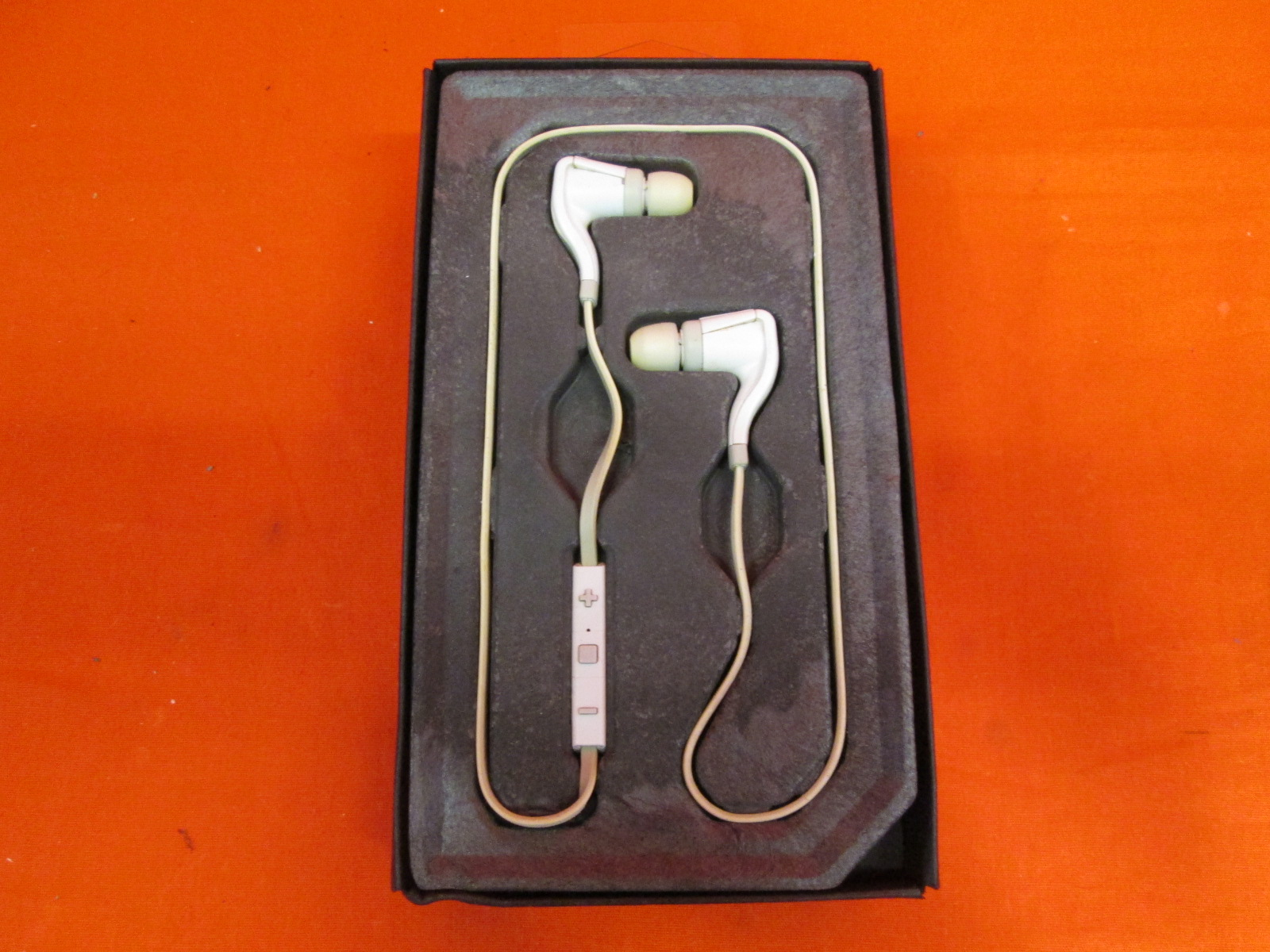 plantronics backbeat go 2 instruction manual