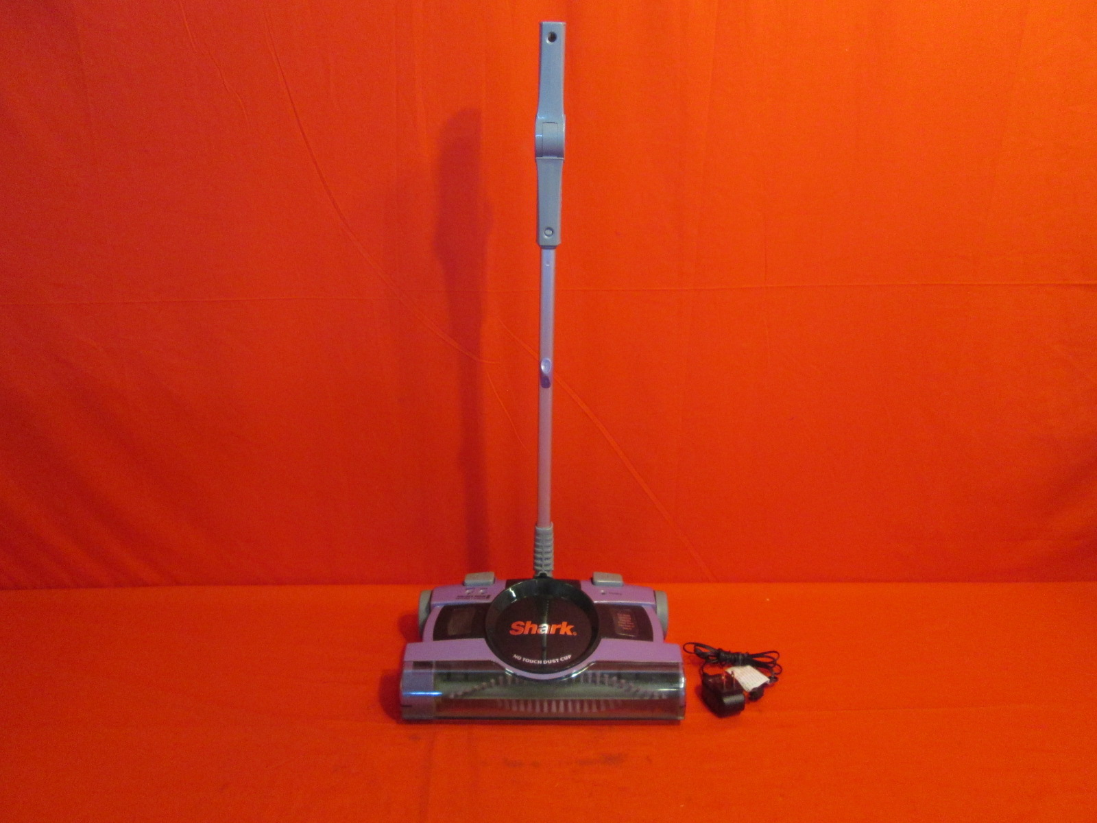 Shark 13 Quot Rechargable Floor Amp Carpet Sweeper V2950 Missing