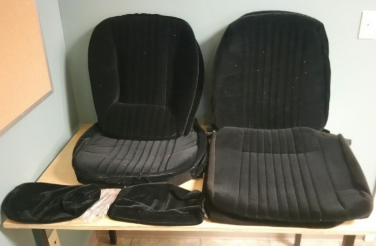 ACME U404S-P667 Black Velour Front Bucket And Rear Bench Seat