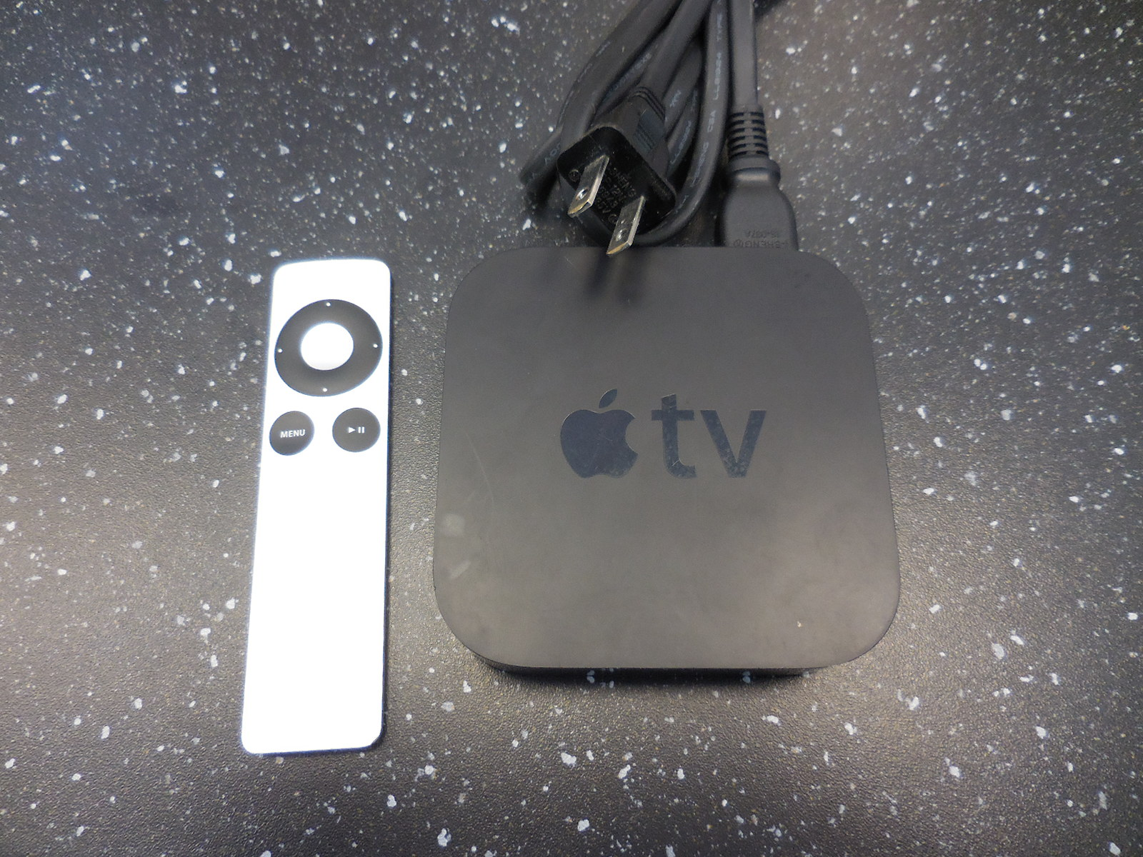 Apple TV With Remote Black