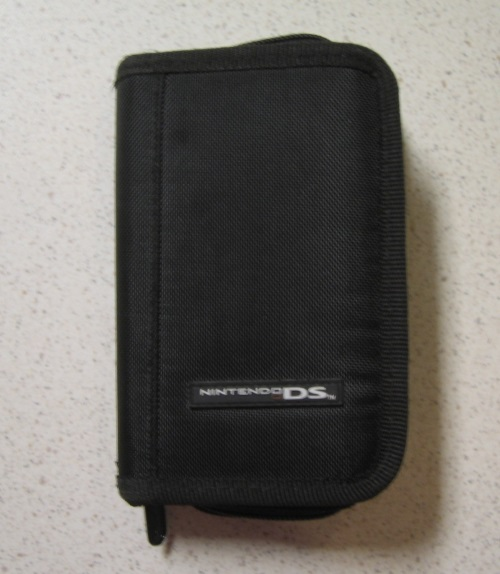 BD&A Switch N Carry Game Case Folio Black For DS